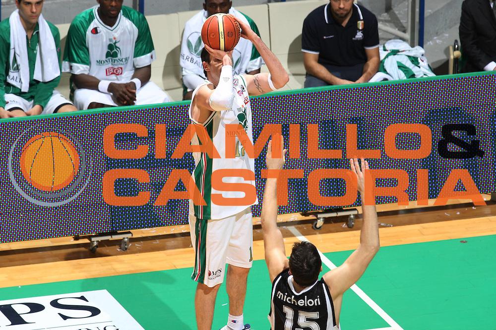 DESCRIZIONE : Siena Lega A 2009-10 Montepaschi Siena Pepsi Caserta<br />GIOCATORE : Ksistof Lavrinovic<br />SQUADRA : Montepaschi Siena<br />EVENTO : Campionato Lega A 2009-2010<br />GARA : Montepaschi Siena Pepsi Caserta<br />DATA : 10/01/2010<br />CATEGORIA : Tecnica<br />SPORT : Pallacanestro<br />AUTORE : Agenzia Ciamillo-Castoria/G.Ciamillo<br />Galleria : Lega Basket A 2009-2010<br />Fotonotizia : Siena Campionato Italiano Lega A 2009-2010 Montepaschi Siena Pepsi Caserta<br />Predefinita :