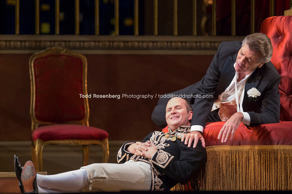 11/11/15 1:28:56 PM -- <br /> The Lyric Opera of Chicago Presents<br /> &quot;The Merry Widow&quot;<br /> Renee Fleming<br /> <br /> &copy; Todd Rosenberg Photography 2015