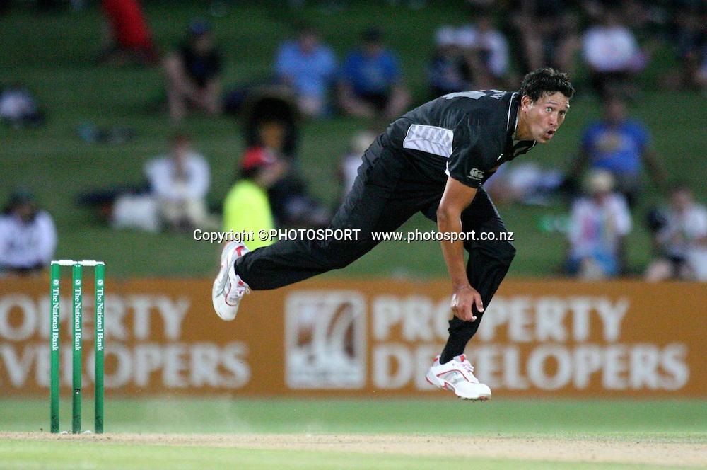Darryl Tuffey bowls. New Zealand Black Caps v Bangladesh. 1st ODI. McLean Park, Napier. Friday 05 February 2010  Photo: John Cowpland/PHOTOSPORT