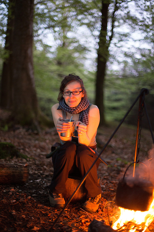 29/04/14 Cumbria UK - Anna Maxted writer with outdoor expert Lisa Fenton of Woodsmoke in woods inear Far Sawrey , Cumbria to experience a night in the open and survive