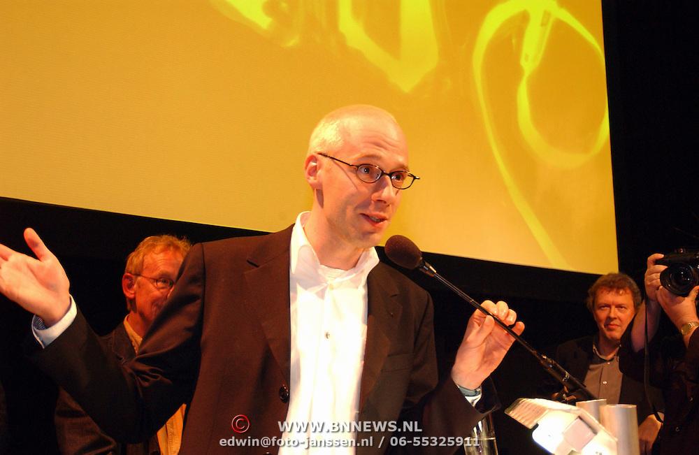 Uitreiking Nipkowschijf 2003, Spijkers met Koppen, Owen Schumacher