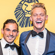 NLD/Scheveningen/20161030 - Premiere musical The Lion King, Ferry Doedens en partner Nuno Azevedo