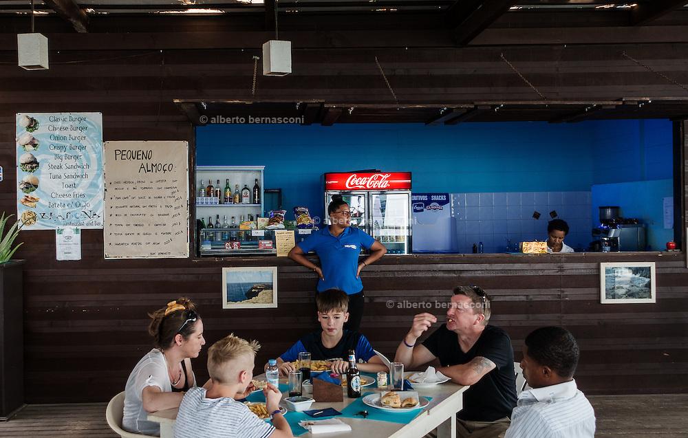 Cabo Verde, Sal, Buracona - Olho Azul, the bar