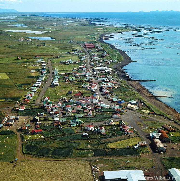 Eyrarbakki séð til austurs, 1973 /.Eyrarbakki viewing east, 1973..Árborg frá 1998 / Arborg since 1998.