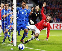 Fotball , 9. september 2011 , EM-kvalifisering<br /> Norge - Island<br /> <br /> Euro qual.<br /> Norway - Iceland<br /> Kjetil Wæhler  , Norge<br /> Stefan Logi Magnusson(1) , Island<br /> Helgi Valure Danielsson (8), Island