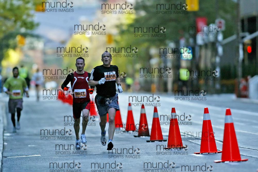 "(Toronto, Ontario -- 18 Oct 2009) JOHN MEIJER runs in the Goodlife Fitness Toronto Half-Marathon. [Photo credit should read ""Sean Burges / Mundo Sport Images""]"
