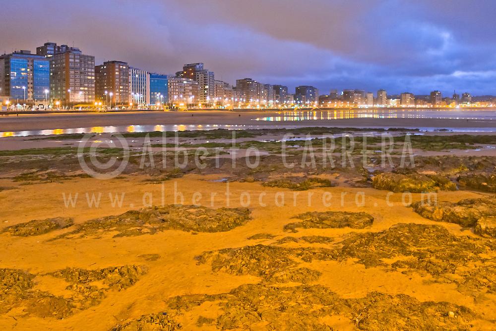 Alberto Carrera, Beach of San Lorenzo, Promenade Sea Front, Gijón, Asturias, Spain, Europe
