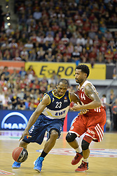 31.05.2014, Audi Dome, Muenchen, GER, Beko Basketball BL, FC Bayern Muenchen Basketball vs EWE Baskets Oldenburg, Halbfinale, im Bild Rickey Paulding (EWE Baskets Oldenburg), Bryce Taylor (FC Bayern Muenchen Basketball), v.li. // during the Beko Basketball Bundes league semifinal match between FC Bayern Munich Basketball and EWE Baskets Oldenburg at the Audi Dome in Muenchen, Germany on 2014/05/31. EXPA Pictures © 2014, PhotoCredit: EXPA/ Eibner-Pressefoto/ Buthmann<br /> <br /> *****ATTENTION - OUT of GER*****