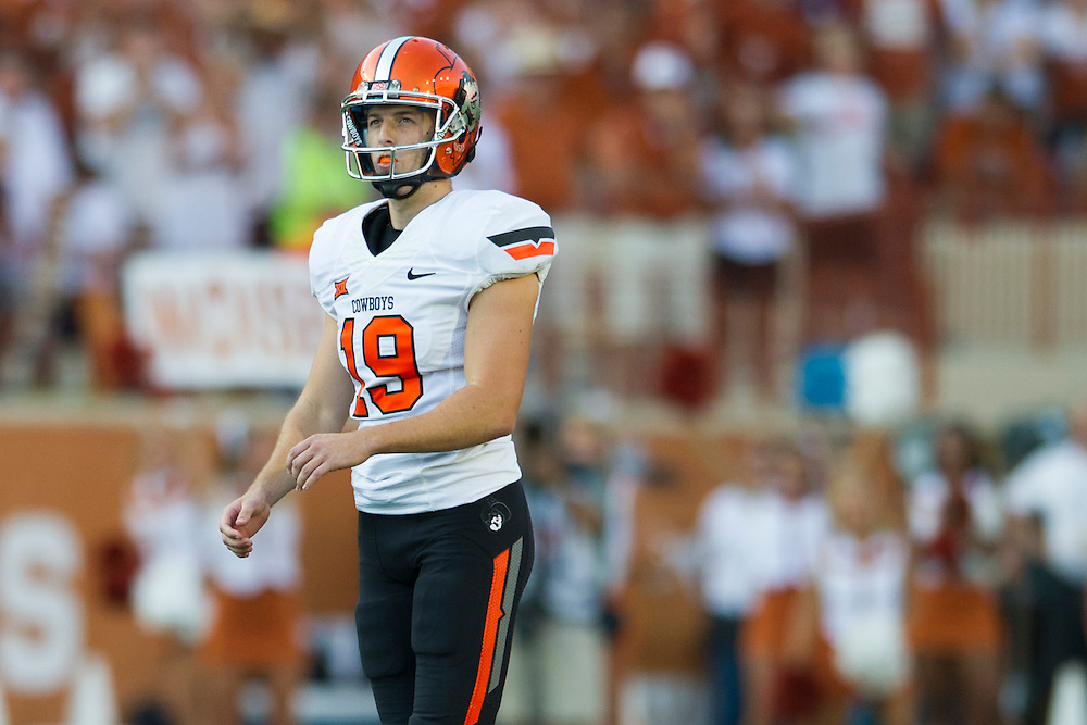AUSTIN, TX - SEPTEMBER 26:  Ben Grogan #19 of the Oklahoma State Cowboys lines up for a field goal attempt against the Texas Longhorns on September 26, 2015 at Darrell K Royal-Texas Memorial Stadium in Austin, Texas.  (Photo by Cooper Neill/Getty Images) *** Local Caption *** Ben Grogan