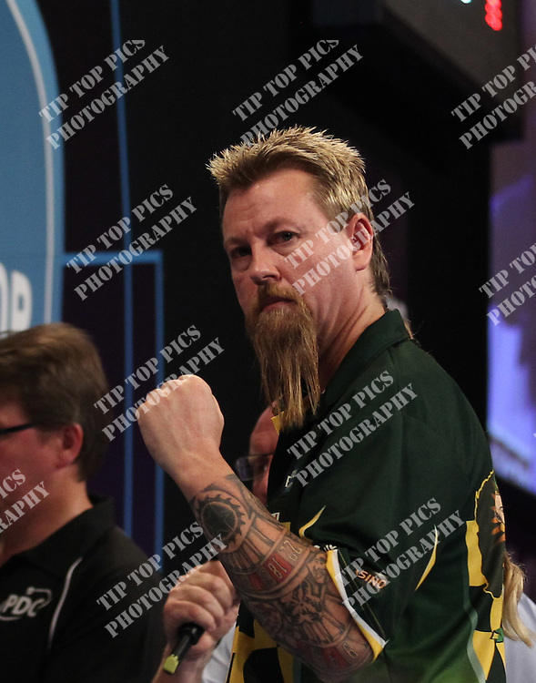 PDC WORLD MATCHPLAY 2014,2nd ROUND ,SIMON WHITLOCK ,RAYMOND VAN BARNEVELD ,PIC CHRIS SARGEANT,<br /> TIPTOPPICS