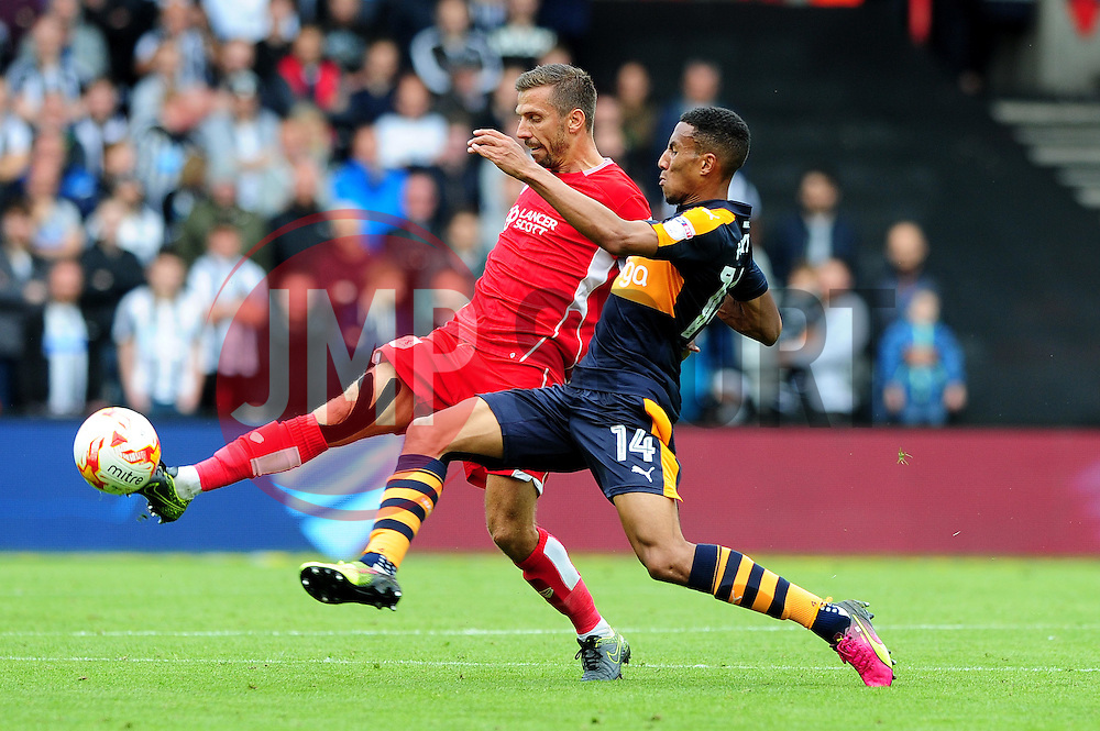 Gary O'Neil of Bristol City is challenged by Isaac Hayden of Newcastle United - Mandatory by-line: Dougie Allward/JMP - 20/08/2016 - FOOTBALL - Ashton Gate - Bristol, England - Bristol City v Newcastle United - Sky Bet Championship