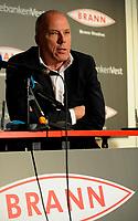Fotball<br /> 5. November 2013<br /> Tippeligaen<br /> Brann Stadion<br /> Pressekonferanse ang. at  Rune Skarsfjord gir seg som Brann trener<br /> Roald Bruun-Hanssen , Daglig leder i Brann<br /> Foto Astrid M. Nordhaug