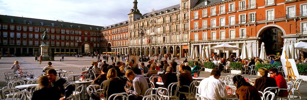 SPAIN, MADRID, MONUMENTS Plaza Mayor; with cafes, tapa bars