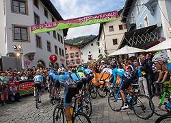 12.07.2019, Kitzbühel, AUT, Ö-Tour, Österreich Radrundfahrt, 6. Etappe, von Kitzbühel nach Kitzbüheler Horn (116,7 km), im Bild Das Peleton in Kitzbühel, Tirol // the peleton at Kitzbühel Tyrol during 6th stage from Kitzbühel to Kitzbüheler Horn (116,7 km) of the 2019 Tour of Austria. Kitzbühel, Austria on 2019/07/12. EXPA Pictures © 2019, PhotoCredit: EXPA/ Reinhard Eisenbauer