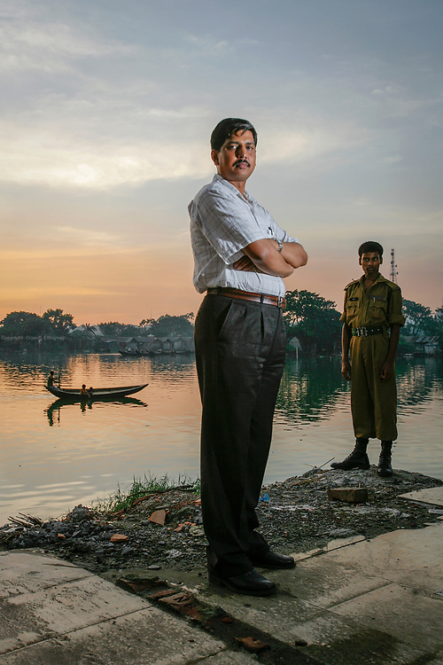 One meter of se level rise will put twenty percent of our country under water, says climate scientist Mozaharul Alam. Here he is next to the all encompassing water in the capital city Dhaka. Bangladesh is prone to a double whammy of flooding and drought caused by the melting glaciers of Himalaya.