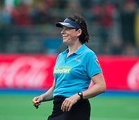 BOOM - Nederlandse scheidsrechter Caroline Brunekreef  tijdens de halve finale van het EK hockey tussen de vrouwen van Duitsland en Belgie. FOTO KOEN SUYK