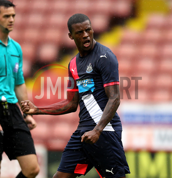 Newcastle United's Georgino Wijnaldum celebrates his goal - Mandatory by-line: Robbie Stephenson/JMP - 26/07/2015 - SPORT - FOOTBALL - Sheffield,England - Bramall Lane - Sheffield United v Newcastle United - Pre-Season Friendly