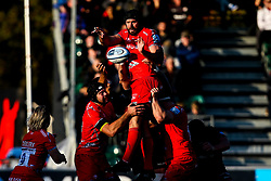 Bryn Evans of Sale Sharks wins the ball at a line out - Mandatory by-line: Robbie Stephenson/JMP - 17/11/2018 - RUGBY - Allianz Park - London, England - Saracens v Sale Sharks - Gallagher Premiership Rugby