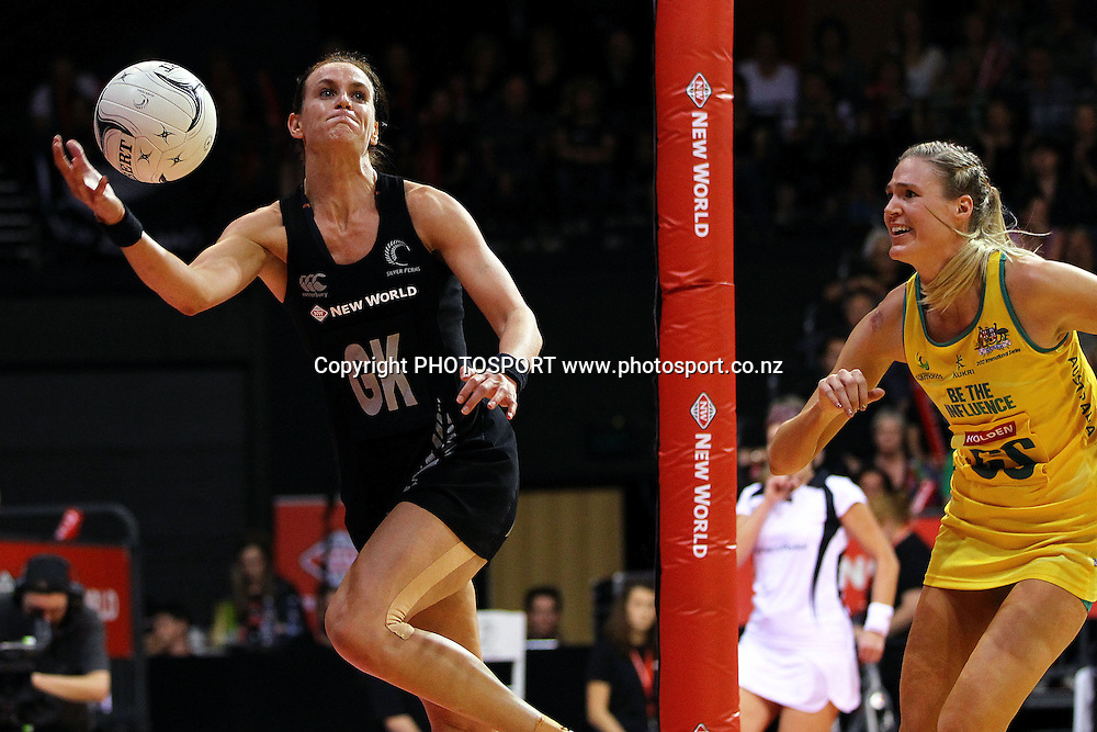 Silver Fern's Leana de Bruin saves the ball in play. New World Quad Series, New Zealand Silver Ferns v Australian Diamonds at Claudelands Arena, Hamilton, New Zealand. Thursday 1st November 2012. Photo: Anthony Au-Yeung / photosport.co.nz