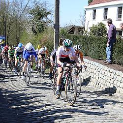 03-04-2016: Wielrennen: Ronde van Vlaanderen vrouwen: Oudenaarde  <br />OUDENAARDE (BEL) cycling  The sixth race in the UCI Womensworldtour is the ronde van Vlaanderen. A race over the famous Flemish climbs. Molenberg Alena Amialiusik