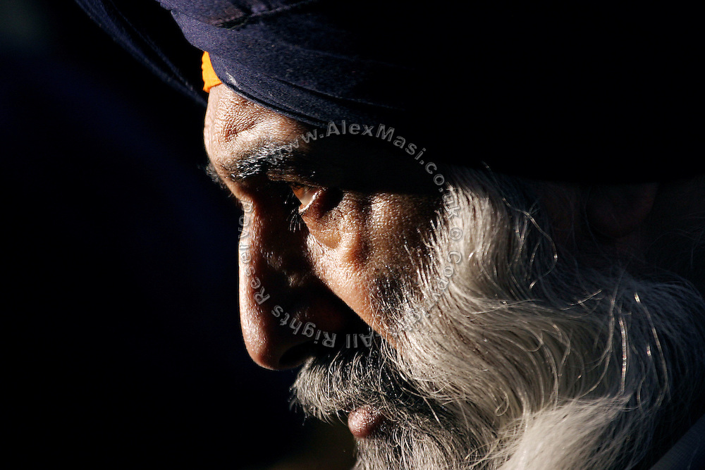 Portrait of a Sikh man in London, on Wednesday, Jan. 26, 2005. **ITALY OUT**