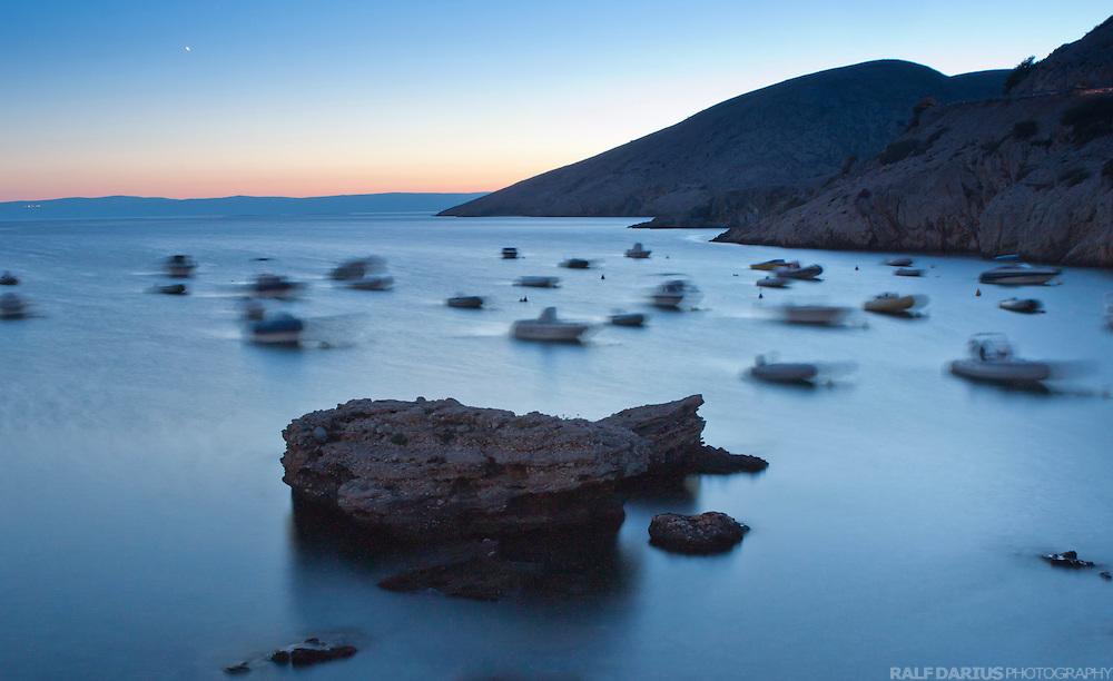 EN: Moonlit night on Krk, Croatia. ---  DE: Mondnacht auf Krk, Kroatien.