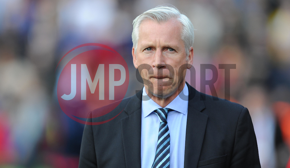 Crystal Palace Manager, Alan Pardew - Photo mandatory by-line: Alex James/JMP - Mobile: 07966 386802 - 09/05/2015 - SPORT - Football - London - Selhurst Park - Crystal Palace v Manchester United - Barclays Premier League