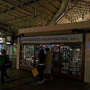 Racionamiento de luz en los Centros Comerciales, Centro Comercial Buenaventura, Guarenas, Estado Miaranda 13-01-2010. <br /> Photography by Aaron Sosa