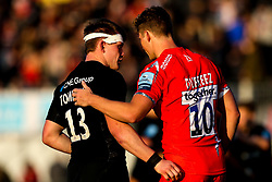 Nick Tompkins of Saracens and Max Malins of Saracens shake hands - Mandatory by-line: Robbie Stephenson/JMP - 17/11/2018 - RUGBY - Allianz Park - London, England - Saracens v Sale Sharks - Gallagher Premiership Rugby
