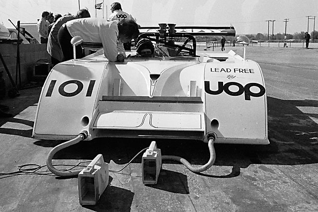 Jackie Oliver, Shadow Mk II, 1971 Riverside Can-Am; note pair of fans cooling inboard-mounted front brakes; Photo by Pete Lyons 1971/www.petelyons.com