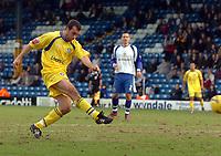 Photo: Paul Greenwood.<br />Bury FC v Wycombe Wanderers. Coca Cola League 2. 17/02/2007. Wycombe's Scott McGleish shoots on goal