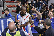 DESCRIZIONE : Beko Legabasket Serie A 2015- 2016 Dinamo Banco di Sardegna Sassari - Openjobmetis Varese<br /> GIOCATORE : Brenton Petway Commando Ultra' Dinamo<br /> CATEGORIA : Ritratto Esultanza Postgame Ultras Tifosi Spettatori Pubblico Curiosità<br /> SQUADRA : Dinamo Banco di Sardegna Sassari<br /> EVENTO : Beko Legabasket Serie A 2015-2016<br /> GARA : Dinamo Banco di Sardegna Sassari - Openjobmetis Varese<br /> DATA : 07/02/2016<br /> SPORT : Pallacanestro <br /> AUTORE : Agenzia Ciamillo-Castoria/L.Canu