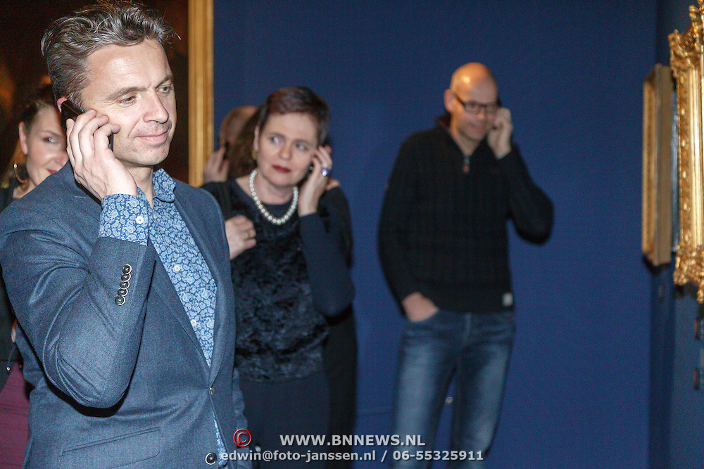 NLD/Amsterdam/20160128 - opening DWDD Pop Up Museum 2016, publiek