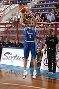 DESCRIZIONE : Porto San Giorgio Raduno Collegiale Nazionale Maschile Amichevole Italia Premier Basketball League<br /> GIOCATORE : Daniele Cinciarini<br /> SQUADRA : Nazionale Italia Uomini<br /> EVENTO : Raduno Collegiale Nazionale Maschile Amichevole Italia Premier Basketball League<br /> GARA : Italia Premier Basketball League<br /> DATA : 11/06/2009 <br /> CATEGORIA : tiro<br /> SPORT : Pallacanestro <br /> AUTORE : Agenzia Ciamillo-Castoria/C.De Massis<br /> Galleria : Fip Nazionali 2009<br /> Fotonotizia :  Porto San Giorgio Raduno Collegiale Nazionale Maschile Amichevole Italia Premier Basketball League<br /> Predefinita :