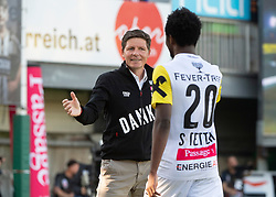 26.05.2019, TGW Arena, Pasching, AUT, 1. FBL, LASK vs FK Austria Wien, Meistergruppe, 32. Spieltag, im Bild v.l. Trainer Oliver Glasner (LASK), Samuel Tetteh (LASK Linz) // during the tipico Bundesliga master group 32th round match between LASK and FK Austria Wien at the TGW Arena in Pasching, Austria on 2019/05/26. EXPA Pictures © 2019, PhotoCredit: EXPA/ Reinhard Eisenbauer