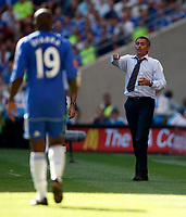 Photo: Richard Lane/Sportsbeat Images.<br />Manchester United v Chelsea. FA Community Shield. 05/08/2007. <br />Chelsea manager, Jose Mourinho shouts out the orders.