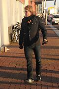 Matthijs van Nieuwkerk  tijdens de uitreiking van de Prins Bernhard Cultuurfonds Prijs 2011 aan Anton Corbijn in Muziekgebouw aan het IJ in Amsterdam