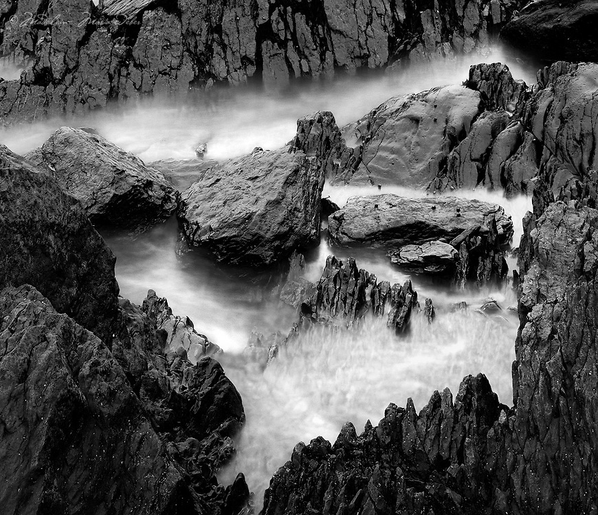 Rocks and Water Kerry, Ireland / rc058