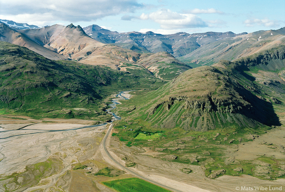 Eyðibýlið Karl, orlofshús við mynni Karlsdal, Bæjarhreppur í Lóni /..The remote farm Karl, holiday homes in Karlsdalur, Baejarhreppur in Lon.
