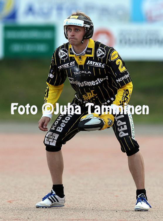 14.6.2011, Kouvola..Superpesis 2011, Kouvolan Pallonly?j?t  - Joensuun Maila..Matti Latvala - KPL.
