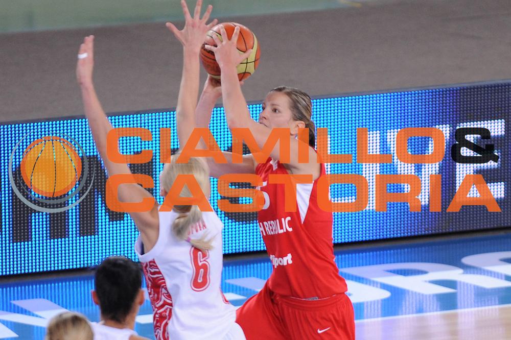 DESCRIZIONE : Bydgoszcz Poland Polonia Eurobasket Women 2011 Round 2 Russia Repubblica Ceca Russia Czech Republic<br /> GIOCATORE : eva viteckova<br /> SQUADRA : Repubblica Ceca Czech Republic<br /> EVENTO : Eurobasket Women 2011 Campionati Europei Donne 2011<br /> GARA : Russia Repubblica Ceca Russia Czech Republic<br /> DATA : 25/06/2011 <br /> CATEGORIA : <br /> SPORT : Pallacanestro <br /> AUTORE : Agenzia Ciamillo-Castoria/M.Marchi<br /> Galleria : Eurobasket Women 2011<br /> Fotonotizia : Bydgoszcz Poland Polonia Eurobasket Women 2011 Round 2 Russia Repubblica Ceca Russia Czech Republic<br /> Predefinita :