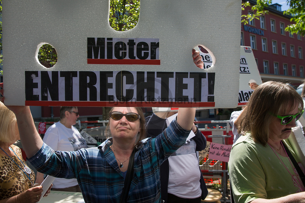 Berlin, Germany - 02.06.2017<br /> <br /> Tenant protests in front of the Berlin headquarters of Deutsche Wohnen AG against drastic increases in rent due to energetic renovations.<br /> <br /> Mieter-Proteste  vor dem Berliner Sitz der Deutschen Wohnen AG gegen drastische Mietsteigerungen aufgrund energetische Sanierungen.<br /> <br /> Photo: Bjoern Kietzmann