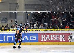 Brad Purdie Liwest Black Wings Linz jubelt ueber den Siegtreffer EV Vienna Capitals / SPORTIDA PHOTO AGENCY