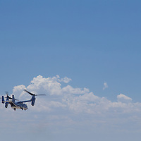 A CV-22 Osprey lifts up after a pickup during the 58th Special Operations Wing Demo at the 2016 Kirtland AFB Air Show