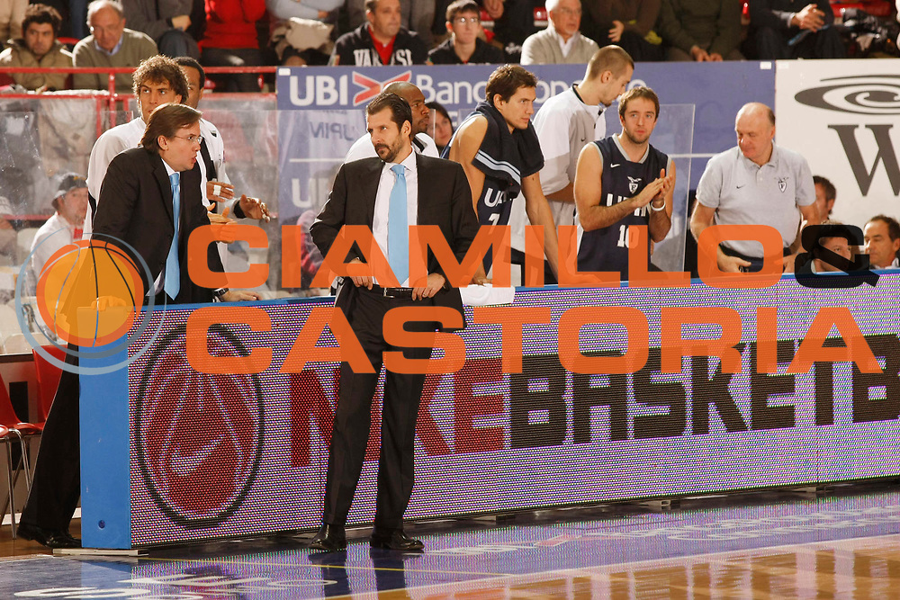 DESCRIZIONE : Varese Lega A1 2007-08 Cimberio Varese Upim Fortitudo Bologna<br /> GIOCATORE : Andrea Mazzon<br /> SQUADRA : Upim Fortitudo Bologna<br /> EVENTO : Campionato Lega A1 2007-2008<br /> GARA : Cimberio Varese Upim Fortitudo Bologna<br /> DATA : 21/10/2007<br /> CATEGORIA : Ritratto<br /> SPORT : Pallacanestro<br /> AUTORE : Agenzia Ciamillo-Castoria/G.Cottini