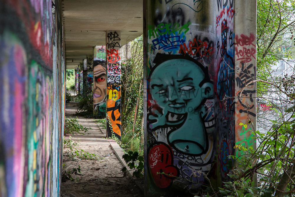 Kruisvaartterrein, voormalig goederenoverslagterrein, graffiti