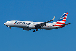 Boeing 737-823 (N835NN) operated by American Airlines on approach to San Francisco International Airport (KSFO), San Francisco, California, United States of America