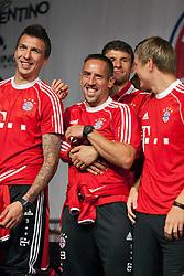 04.07.2013, Riva del Garda, Gardasee, ITA, FC Bayern Muenchen Trainingslager, im Bild Franck RIBERY (FC Bayern Muenchen) und Thomas MUELLER (FC Bayern Muenchen) sind gut drauf, Emotionen, // during the Trainings Camp of German Bundesliga Club FC Bayern Munich at the Riva del Garda, Lake Garda, Italy on 2013/07/04. EXPA Pictures © 2013, PhotoCredit: EXPA/ Eibner/ Alexander Neis<br /> <br /> ***** ATTENTION - OUT OF GER *****