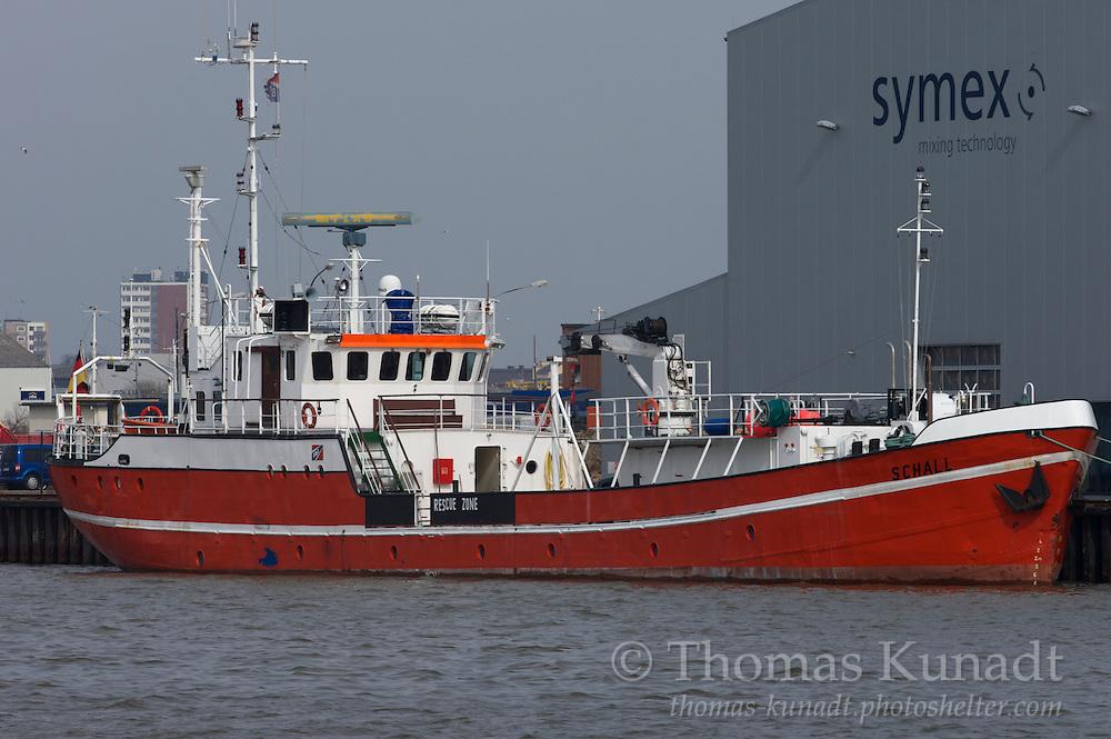 Forschungsschiff SCHALL liegt fest vertäut im Fischereihafen von Bremerhaven am 24.03.2010.