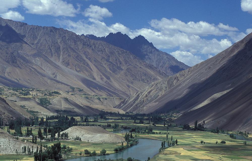 Beautiful  mountain scenery between Chitral and Gilgit in the Karakroum mountains, Asia,Pakistan, Chitral-Gilgit